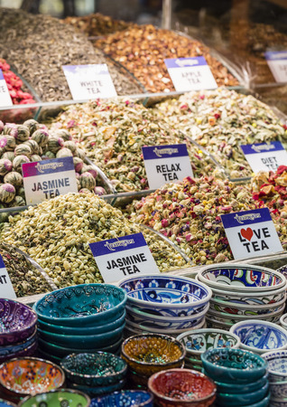 bazaar: Tea shop in Grand Bazaar, Istanbul, Turkey.