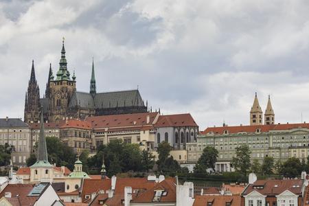 Blick auf die Prager Burg von der Karlsbrücke