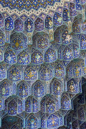 sheikh: Details of Sheikh Lotfollah Mosque in Isfahan, Iran