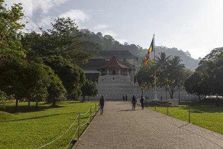 KANDY, SRI LANKA - 01 grudnia :, 2016: Świątynia Najświętszej Zęby Relik, znajdująca się w Pałacu Królewskim Kompleks dawnej Królestwa Kandy, Sri Lanka