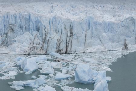 氷河ペリトモレノ国立公園ロス Glasyares、パタゴニア、アルゼンチン 写真素材 - 70171129