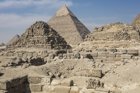 cheops: Great Egyptian pyramids in Giza, Cairo