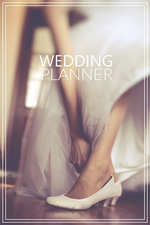 Weeding Planner over shoe of the bride in retro style. Zdjęcie Seryjne