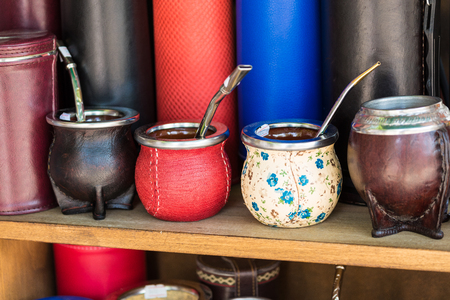Mate gourds for sale as popular souvenirs from Argentina and Uruguay. 免版税图像