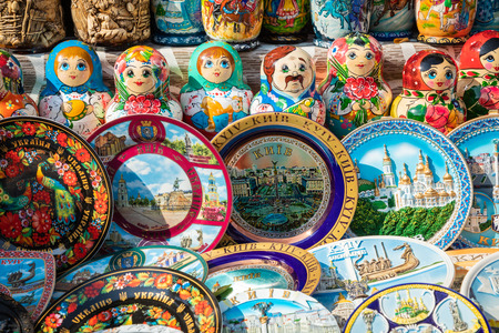 Nested dolls in the souvenir from Ukraine. Imagens
