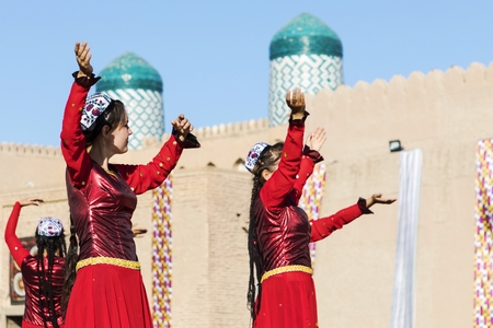 Folk dancers performs traditional dance at local festivals in Khiva, Uzbeksitan. Editöryel