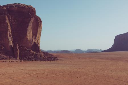 Panoramic view of the Wadi Rum desert, Jordan. Blue sky at summer time. Standard-Bild - 124316563
