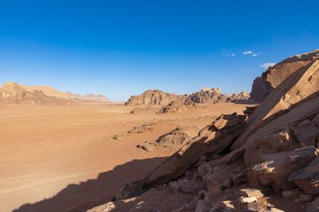 Wadi Rum Red Desert, Jordan, Middle East. Standard-Bild - 124316428
