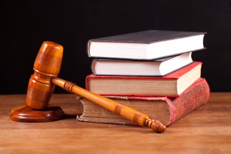 lawyer symbol: judge gavel  and books