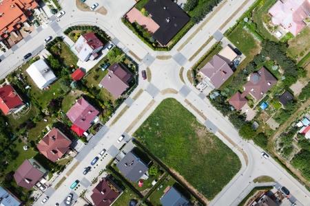 cenital: Nysa suburbios de la ciudad vista aérea