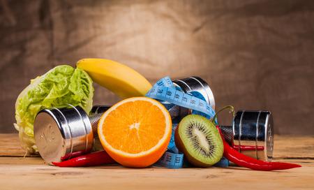 Attrezzature per il fitness e il cibo sano Archivio Fotografico - 34733736