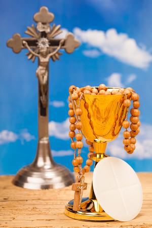 religion catolica: Eucarist�a, sacramento de la comuni�n santa