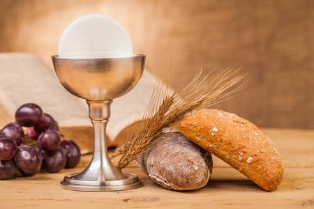 Eucharistie, sacrement de la sainte communion Banque d'images - 34734265