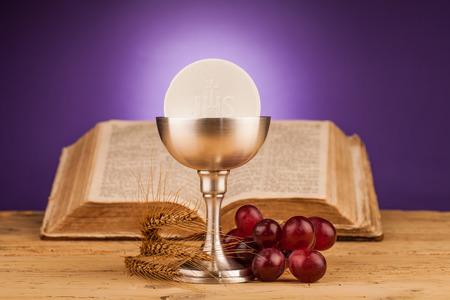 Eucaristia, sacramento della santa comunione Archivio Fotografico - 34734045