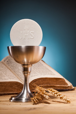 holy eucharist: christian holy communion