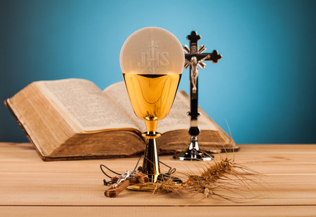 chaplain: Chrystian holy communion composition on wooden table Stock Photo