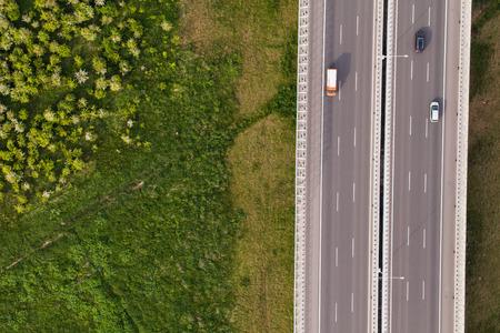경치: 폴란드 고속도로의 공중보기 스톡 콘텐츠