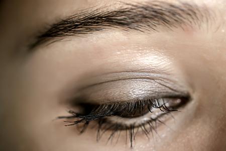 sch�ne augen: Braun Augen Make-up. Sch�ne Augen Make-up. Makro