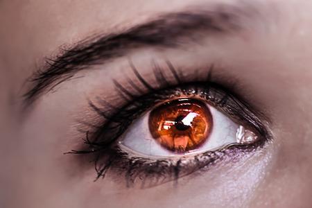 ojos hermosos: Maquillaje de ojos rojos. Ojos hermosos maquillaje. Macro Foto de archivo