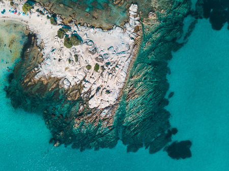Aerial view of a rocky coastline Zdjęcie Seryjne