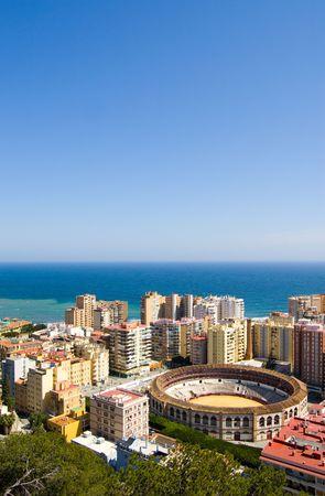 andalusien: Blick auf Malaga Stadt und das Meer in Andalusien, Spanien