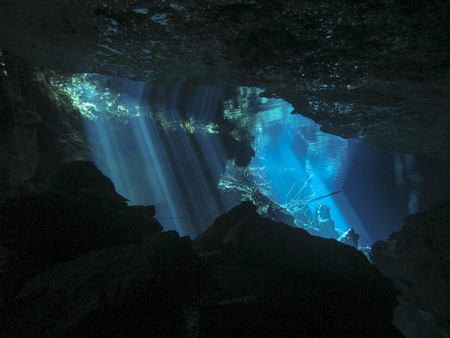Reflection of light - Underwater at cenote Chac Mool in the Riviera Maya, Mexico. 스톡 콘텐츠