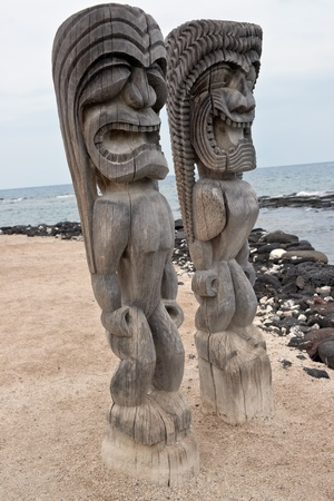 Tikis at Pu
