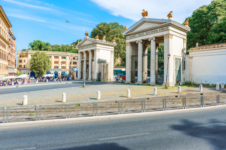 Rome, Italy - August 31, 2014: Tourists at the entrance to the Villa Borghese Park in Rome, Italy. Publikacyjne