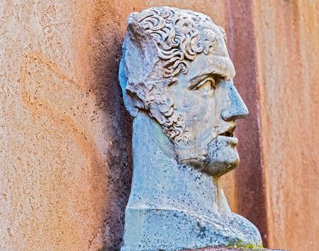 카스텔 산트 안젤로, 로마에서 조각 흉상 에디토리얼
