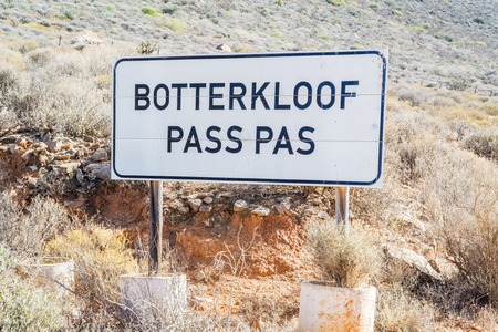 substantial: Road sign for The Botterkloof pass. It is a fairly substantial altitude gaining pass in the Northern Cape between Clanwilliam and Nieuwoudtville.