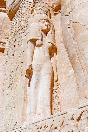 Nefertari, esposa y reina de Faraón rey Ramsés II de Egipto antiguo favorito, en Abu Simbel Foto de archivo - 42959709