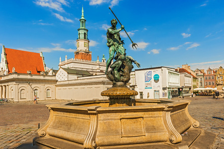 town square: Neptun fountain on the main Old Town Square in Poznan, Poland.