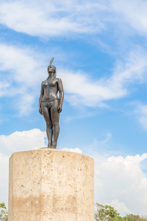 he: Cartagena, Colombia - March 26, 2017: The monument to India Catalina. India Catalina born in 1495 she was an indigenous woman and the daughter of the local chief. She was abducted in 1509 by Spanish conqueror. She learn Spanish She accompanied Pedro de He