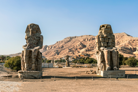 Giant stone statues of Pharaoh Amenhotep III near the Valley of the Kings, Luxor, Egypt Redakční
