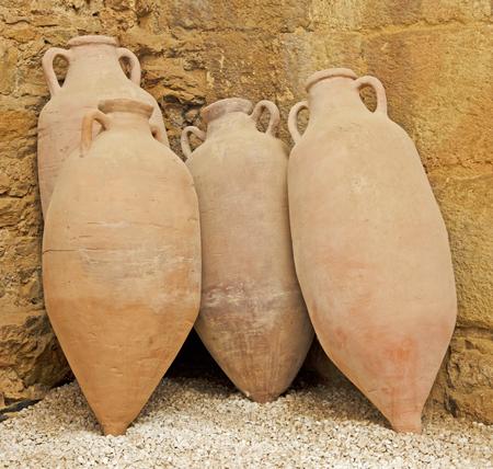 Amphore romaine antique Banque d'images