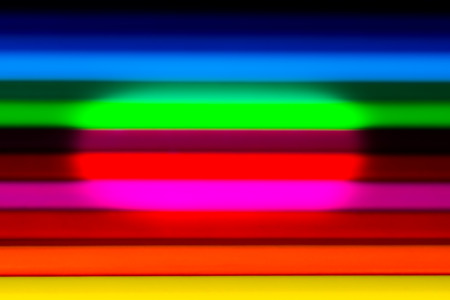 color spectrum: Horizontal smooth color spectrum in the form of diffuse bands. Central illumination