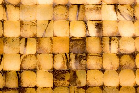 木製のタイル。柔らかな色調で