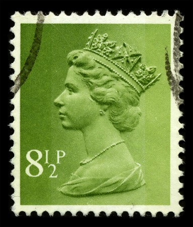 queen elizabeth: UNITED KINGDOM - CIRCA 1971: An English Used First Class Postage Stamp showing Portrait of Queen Elizabeth in light green circa 1971. Editorial