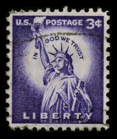 stamp collecting: USA - CIRCA 1930: A stamp printed in USA shows image of the dedicated to The Statue of Liberty (Liberty Enlightening the World) circa 1930.