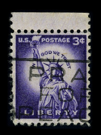 frederic: USA-CIRCA 1954: A stamp dedicated to the The Statue of Liberty (Liberty Enlightening the World [French: La Liberte eclairant le monde]) is a colossal neoclassical sculpture on Liberty Island in New York Harbor, designed by Frederic Bartholdi and dedicated