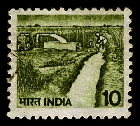 defined: India-CIRCA 1982: Un timbro stampato in India mostra l'immagine di irrigazione pu� essere definita come la scienza di applicazione artificiale di acqua alla terra, il suolo e circa 1982.
