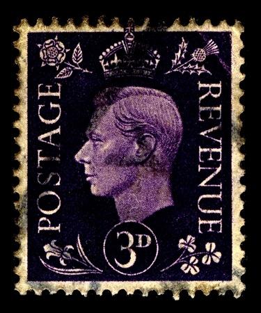 Reino Unido-alrededor de 1941: Un sello impreso en Reino Unido muestra la imagen de Jorge VI (Albert Frederick Arthur George) era el Rey del Reino Unido y los dominios de la Mancomunidad Brit�nica, alrededor del a�o 1941. Foto de archivo - 11215606