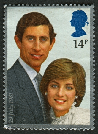 lady diana: UK - CIRCA 1981: A stamp printed in UK shows image of the Prince Charles and lady Diana Spencer, circa 1981. Editorial
