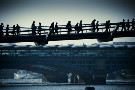 commuters: Pendolari di Londra