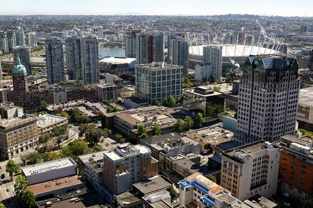 Downtown Vancouver, British Columbia, Canada, lookin toward stadium. Standard-Bild - 105960824