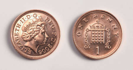 British one pence coin, showing heads and tails Standard-Bild