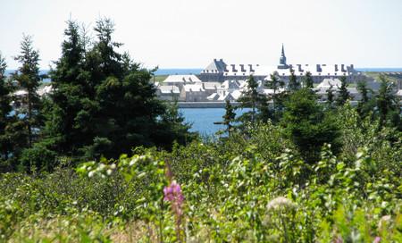 scotia: Frontal view of Ft. Louisbourg, Nova Scotia Stock Photo