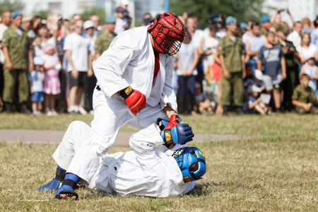 mastery: Ulyanovsk, Russia - July 31, 2016: Airborne soldiers demonstrate mastery of martial arts during the celebration of the Airborne Forces Editorial