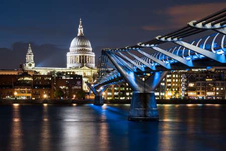 St Pauls, Millennium Bridge