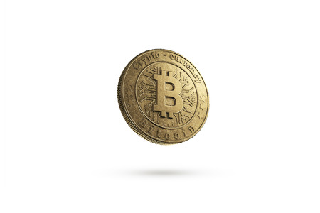 Gold coin Bitcoin on white background. The concept of crypto currency. Blockchain technology. Imagens - 122721653